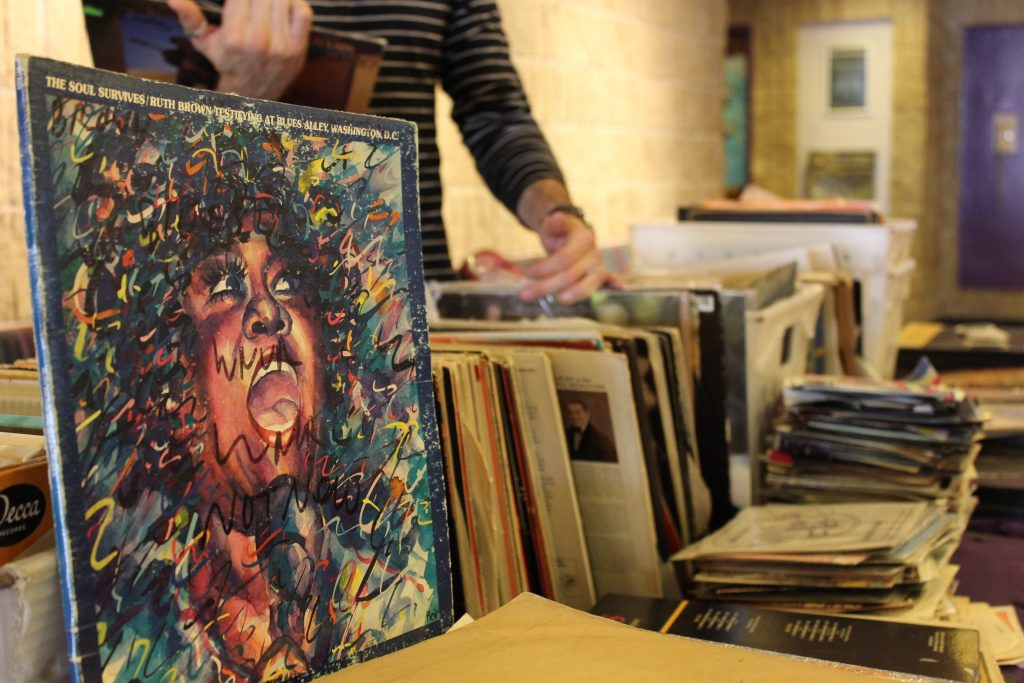 WNUR Brings Vinyl to Norris